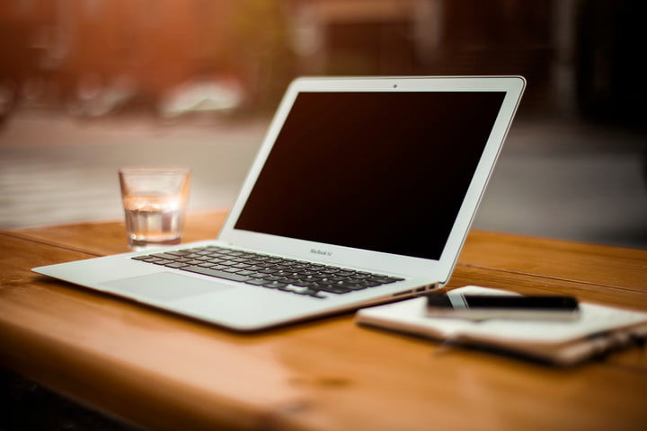 Apple refreshes Mac book and Mac book air